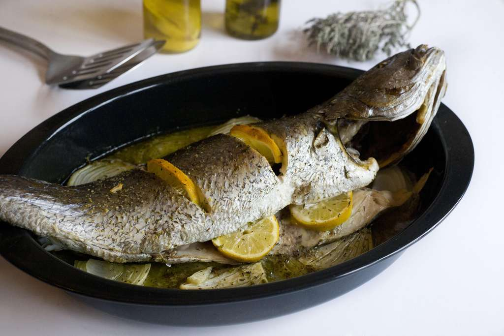 Receta de corvina al horno recetas de cocina recetas de - Recetas de bogavante al horno ...