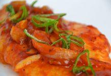 Receta de pescado en salsa roja